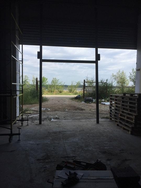 Монтаж промышленных секционных ворот в Волгограде