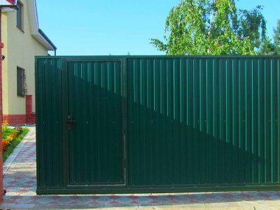 Откатные ворота с калиткой в Волгограде